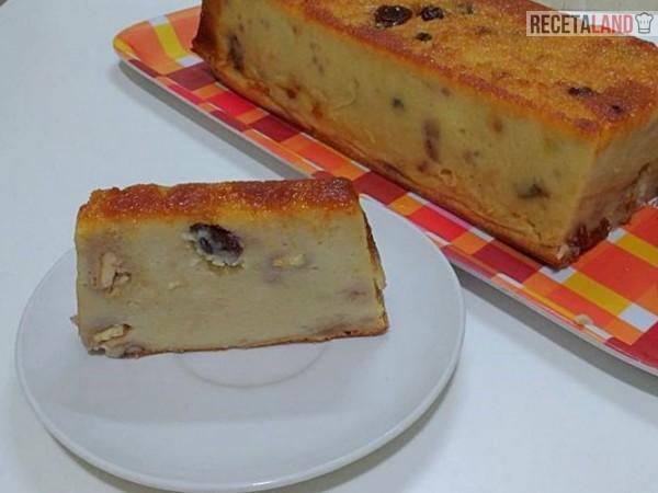 Budín de pan chileno