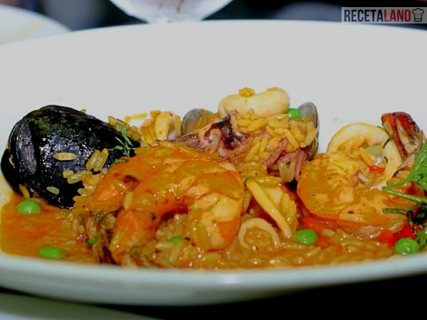 arroz con mariscos peruano