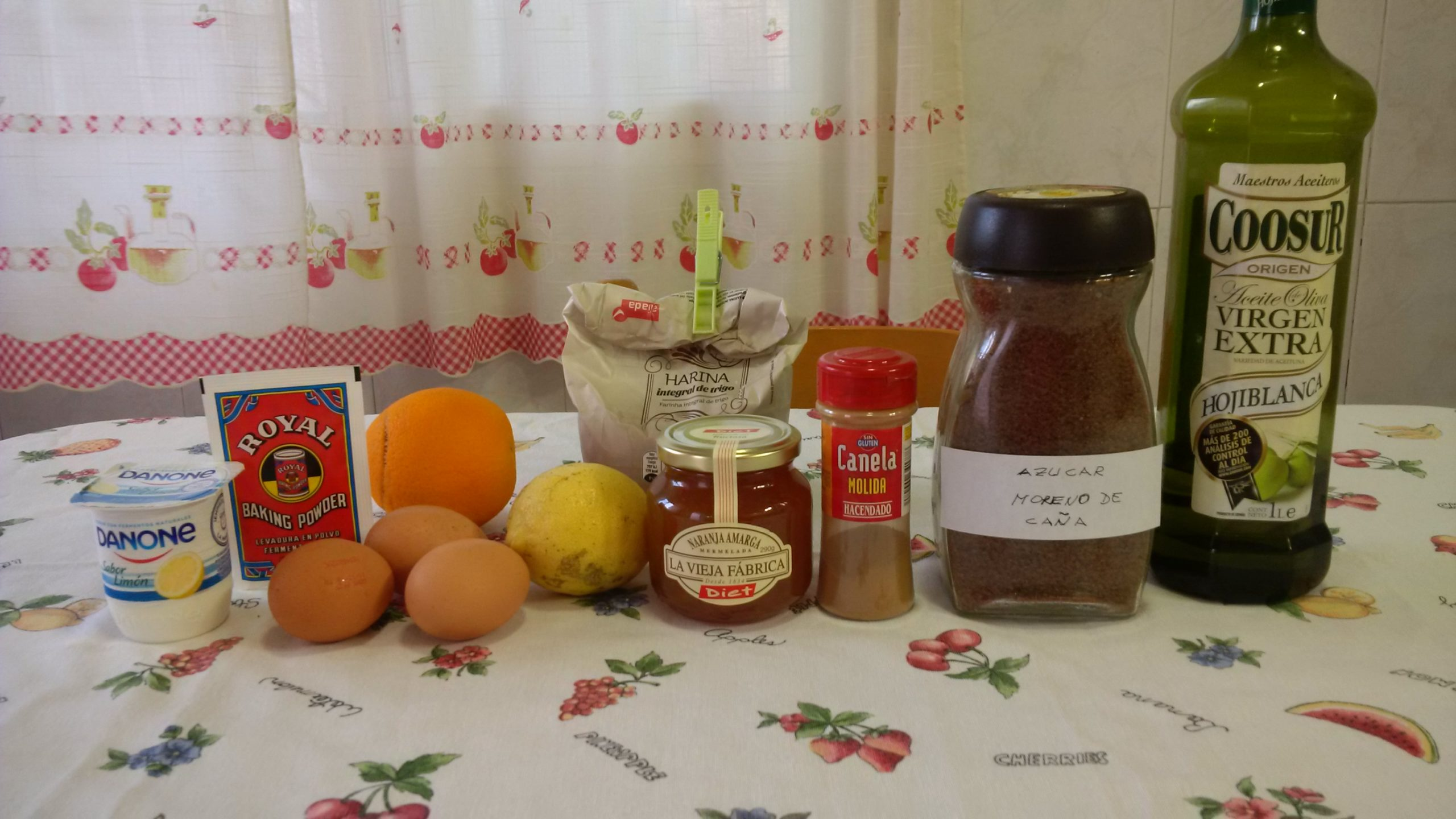 Ingredientes Bizcocho de limón con azúcar moreno y harina integral