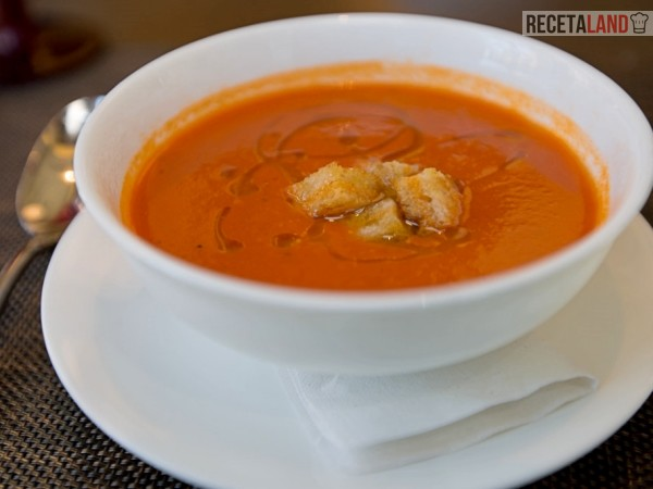 Sopa de Tomate caliente