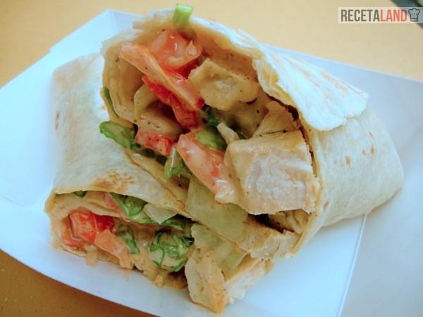 Wrap de Pollo, Lechuga y Verduras