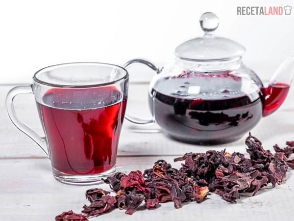 agua de jamaica caliente o te de jamaica