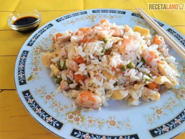 Plato de Arroz Tres Delicias