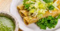 Tacos Fritos de Pollo Verdes