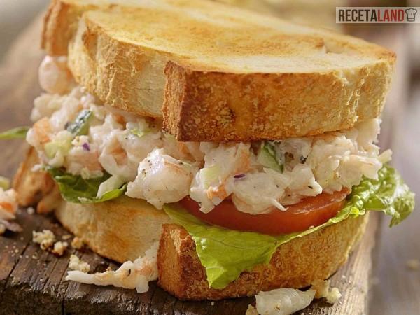 sandwich de cangrejo casero