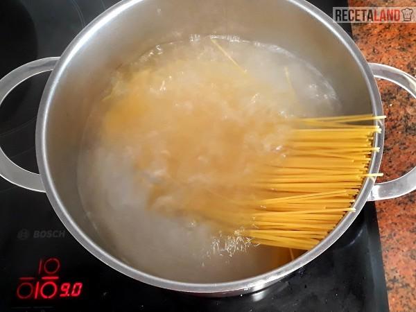 Cociendo los Espaguetis