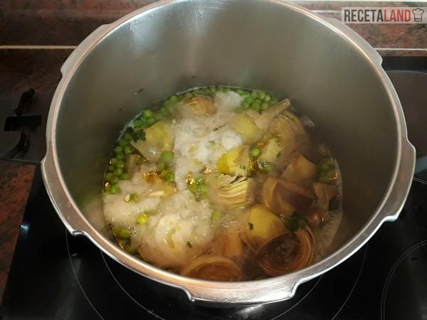 Cocinando Hervido de Alcachofas