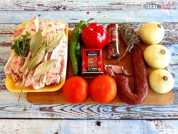 Ingredientes Manitas de cerdo en salsa