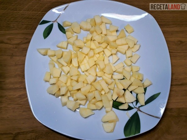 Manzana cortada a trocitos