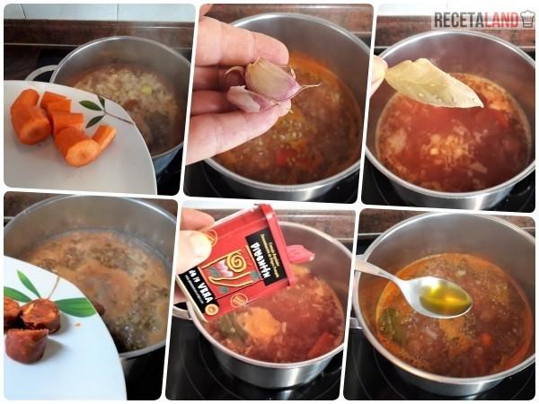 Añadiéndole los Ingredientes a las lentejas con arroz